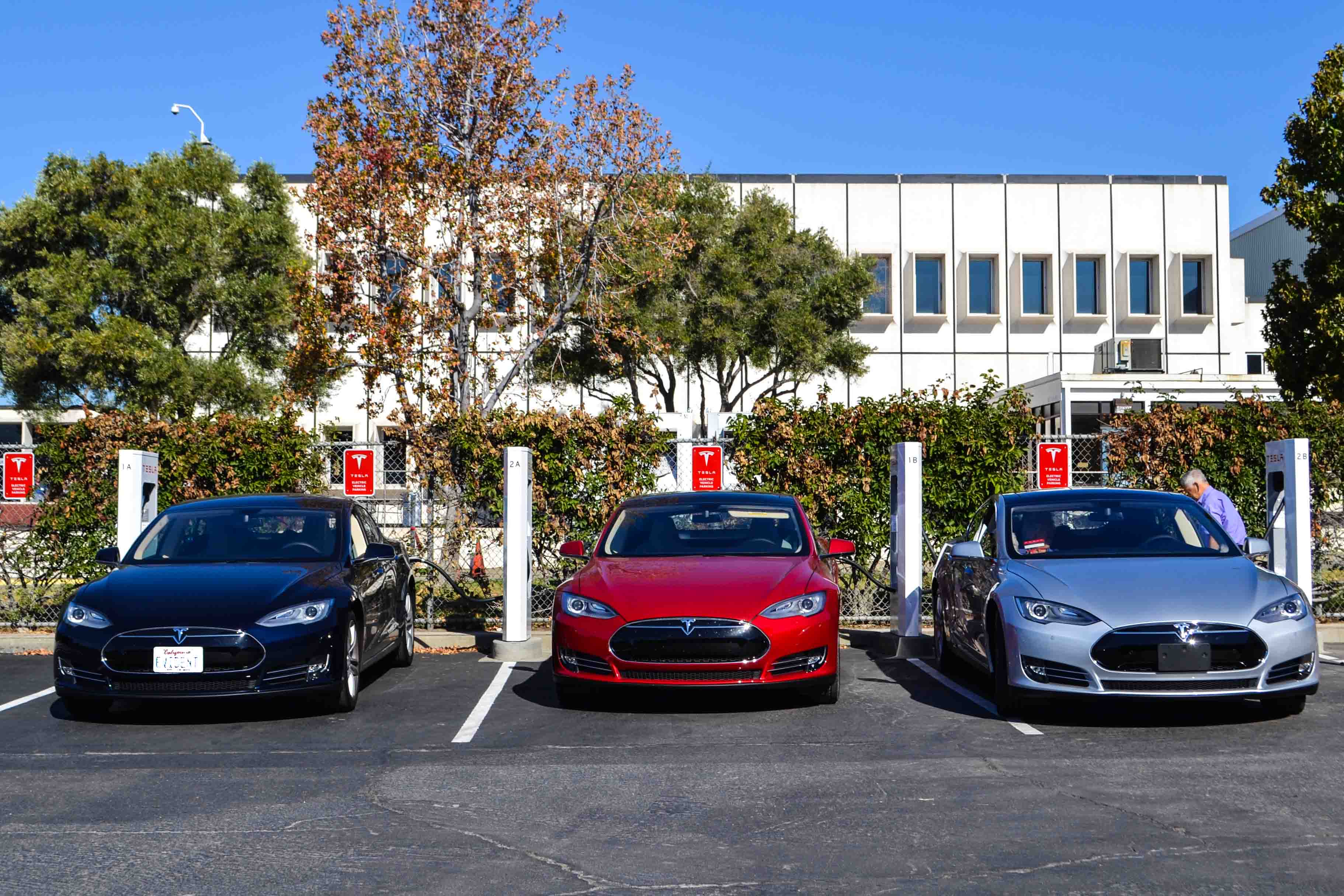 Tesla manufacturing plant locations mercedes benz for Mercedes benz plant locations