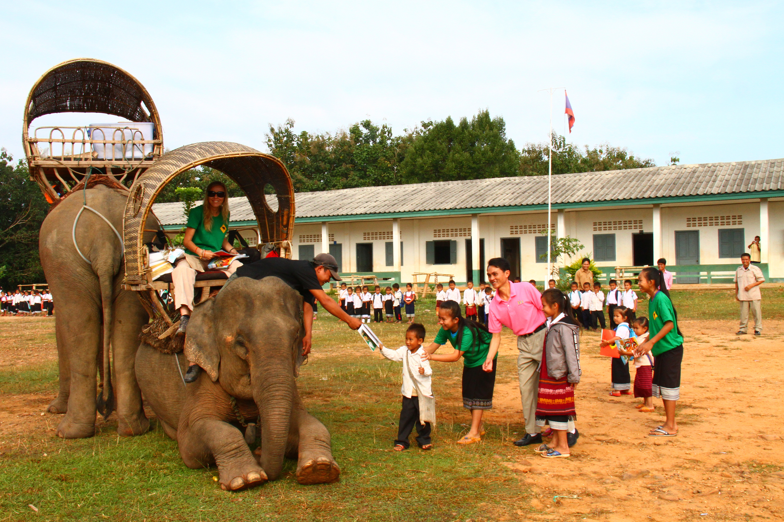 Elephant mobile library laoamericans for Thailand mobel